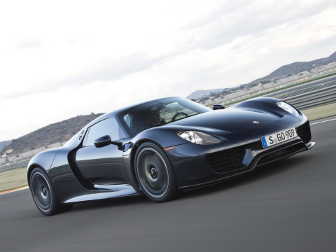 Porsche-918-Spyder-USA-2014-Photo-21